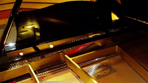 曲追加・テンポ速めで楽しい、ロックテイストジャズピアノトリオ楽曲