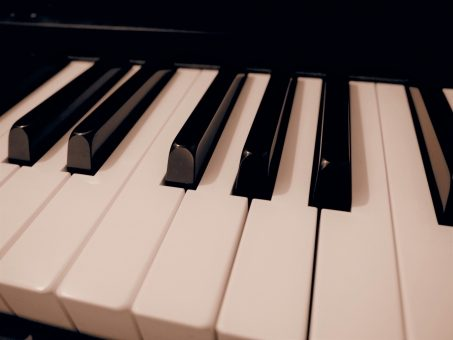 著作権フリー無料BGM・10秒くらいの短いジャズピアノ
